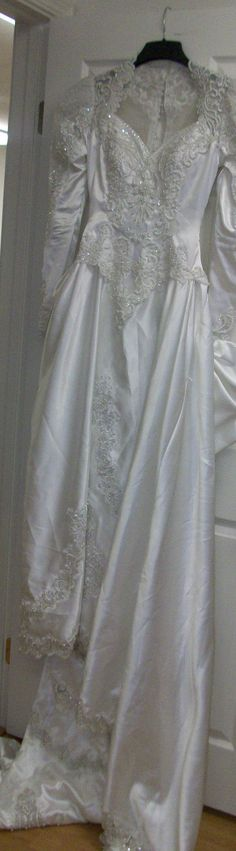 Vintage White Wedding dress As Is Size 10 by HeartsMaddness, $39.00