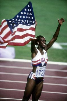 Jackie Joyner-Kersee still holds a world record in heptathlon from the 1988 summer Olympics. Dillon Hewitt don't miss one of the greatest athletes in your lifetime! 1988 Olympics, Summer Olympics, Sports Baby, Sports Women, Jackie Joyner Kersee, Heptathlon, Olympic Gold Medals, Olympic Athletes, Olympic Games