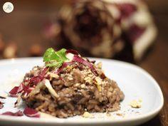 Risotto al Radicchio Trevigiano e Nocciole - l'amarognolo del radicchio, la consistenza vellutata del risotto ed il piacevole scricchiolio delle nocciole.