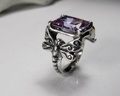 Dragonfly Ring Light Amethyst