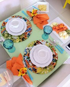 Setting up a simple breakfast table is not difficult. With a little creativity and attention it is possible to place the table set with the utensils that Table Setting Inspiration, Boho Home, Beautiful Table Settings, Dinning Table, Deco Table, Decoration Table, Tablescapes, Sweet Home, Diningroom Decor