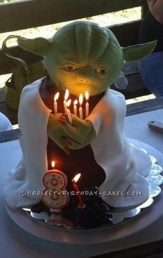 Coolest Yoda Cake Ever... Coolest Birthday Cake Ideas