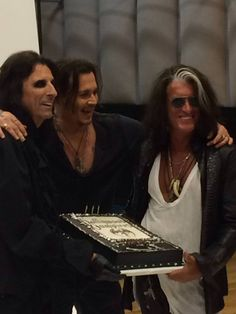 THE hollywood vampires <3