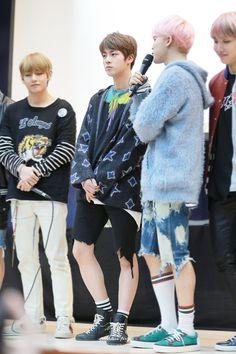 <3 BTS <3 (holy shit jin and jimin's calves :O) #jin #jimin #bts