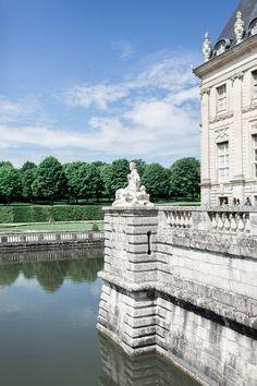 Château de Vaux-le-Vicomte wedding venue, Cavin Elizabeth Photography
