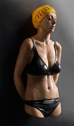 """Not Your Average Wax Figures """"Sculptor Carole Feuerman's hyper-realistic work might look like those celebrity wax figures, but they're more Michaelangelo than Madame Tussaud's. Art Hyperréaliste, Wax Art, Vice Magazine, Magazine Wall, Magazine Covers, Max Ernst, Man Ray, Gq, Hyperrealistic Art"""
