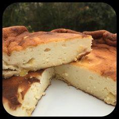 Cela faisait longtemps que je n'avais pas fait ce délicieux gâteau tout léger. Aujourd'hui, je vous partage ma recette Ce gâteau est sans matières grasses et sans sucre raffiné...