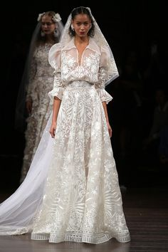 Winter wedding, december wedding, ideas for wedding dresses in winter (BridesMagazine.co.uk)