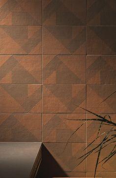 Wand- und Bodenbelag aus Feinsteinzeug TIERRAS INDUSTRIAL FRAME ASH Kollektion TIERRAS by MUTINA   Design Patricia Urquiola