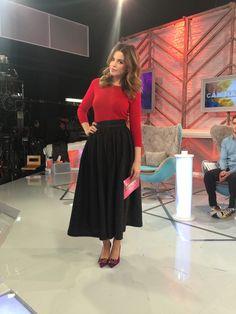 Marta Torné presenta Cámbiame esta semana con stilettos mora con pedrería de Lolita Blu. Ahora con descuento #ChicasLolitaBlu