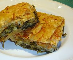 Greek Cooking and Mediterranean flavors; simple and healthy. Spinach Pie, Chopped Spinach, Greek Recipes, Greek Meals, Cheese Pies, Phyllo Dough, Greek Cooking, Spanakopita, Almond