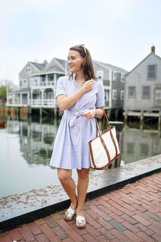 Alicia bell seersucker shirtdress spring and summer outfits Adrette Outfits, Summer Fashion Outfits, Preppy Outfits, Women's Fashion Dresses, Fashion Spring, Spring Outfits, Preppy Mode, Preppy Style, Outfits