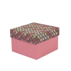 Get crafty not just in choosing, but also in packaging your gifts. Package your rakhis, Valentine's Day offerings and more in this light-weight gift box that is made of cardboard and handmade printed paper. These gift boxes come in a set of six, with a lid that is patterned in pleasant multicoloured swirls.