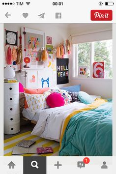 10 Best Teen Bedroom Ideas – Cool Teenage Room Decor for Girls and Boys - Room Decoration İdeas Teenage Room Decor, Teenage Girl Bedroom Designs, Teenage Girl Bedrooms, Girls Bedroom, Bedroom Decor, Bedroom Furniture, Design Bedroom, Bedroom Wall, Bedroom Inspo