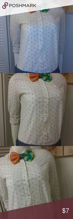 Old Navy White Dotted Shirt Preloved...in excellent condition..perfect addition to that spring outfit..shorts or pants..#pickyourfleek# Old Navy Tops Button Down Shirts