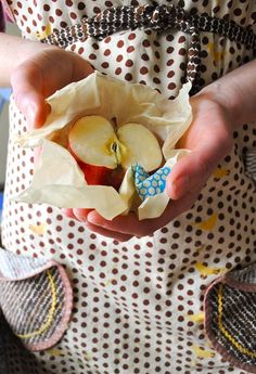 Brilliant! Bee's Wrap naturally replaces plastic wrap ... http://www.beeswrap.com