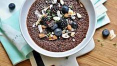 Pokud hledáte nové nápady na zdravé snídaně, zkuste tuto čokoládovou quinou. Quinoa, Kitchen Stories, Russian Recipes, Overnight Oats, Polenta, Gluten Free Recipes, Food Inspiration, Acai Bowl, Nom Nom