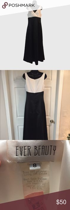 Black and white formal dress full length An item that will never go out of style is a classic black and white dress. Can be worn to formal events for years to come and never look out of place. Size 8 in perfect condition ever beauty Dresses Maxi