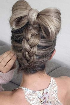 Sometimes braid hairstyles are considered to be too simple for holidays. However, what is wrong with being simple? It does not mean that such hairstyles look less beautiful.#hairstyles#braids#braidedupdo