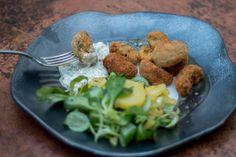 breaded mushrooms   gebackene Champignons Breaded Mushrooms, Stuffed Mushrooms, Ovo Vegetarian, Vegetarian Recipes, Tartar Sauce, Bread Crumbs, Alps, Veggies, Potatoes