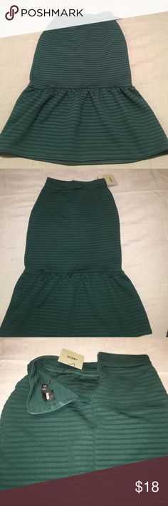 Asos midi skirt Great midi skirt. Fitted on the body and flares at the knee. Looks beautiful on! NWT in size 0 Skirts Midi