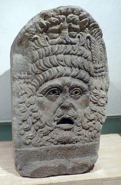 Relieve de una máscara trágica. Cultura romana. S. I-II d.C.  Relief of a tragic mask. Roman culture. S. I-II A.D.