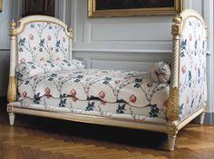 A Louis XVI bed stamped by Nicolas-Denis Delaisement, last quarter 18th century #laviedechateau