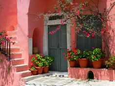 Pink house with pots of flowers and bougainvillea in Halki, Naxos island, Cyclades, Aegean_ Greece Pink Love, Pretty In Pink, Hot Pink, Bright Pink, Tout Rose, I Believe In Pink, Pink Houses, Colorful Houses, White Houses