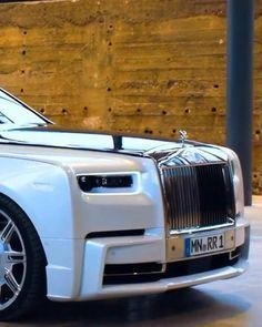 Rolls Royce Models, Rolls Royce Cars, Small Luxury Cars, Best Luxury Cars, Rolls Royce Phantom Interior, Rolls Royce Interior, Rolls Royce Price, Voiture Rolls Royce, Volkswagen Golf