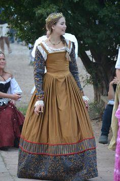 Convivial Costumer: Renaissance Festival Royal Court Gown