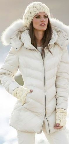 Fashionista Beatiful Style For Winter - Fashion Jot- Latest Trends of Fashion www.pn warm winter, we need warm coat ,so mordern down coat, my best loved moncler. Fall Winter Outfits, Winter Wear, Autumn Winter Fashion, Dress Winter, Fashion Mode, Love Fashion, Womens Fashion, Fashion Trends, Ski Fashion
