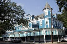 Commander's Palace  Though I didn't have a meal at The Commander's Palace, many folks I spoke with in New Orleans raved about this restaurant's food. - seafaringwoman/Flickr/CC BY 2.0