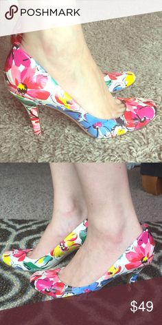 Nine West Vivid Floral Sexy Heels  Nine West Vivid Floral Sexy Heels with round toes. Super comfy and so versatile. Wear them as an accent to a neutral outfit or with any color! VGUC, minor nicks or scuffs not visible in photos. Sooooo gorgeous! Nine West Shoes Heels