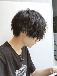 Image about hair in ulzzang boys. by versachae - asian, boy, and hair image - Tomboy Hairstyles, Cute Hairstyles, Long Asian Hairstyles, Hair Inspo, Hair Inspiration, Growing Out Hair, Hair Reference, Cut My Hair, Hair Images