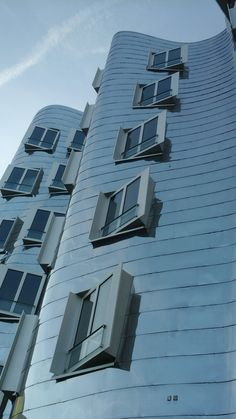 Fressoz & Gehry in Dusseldorf | girl925  #architecture #Frank #Gehry Pinned by www.modlar.com
