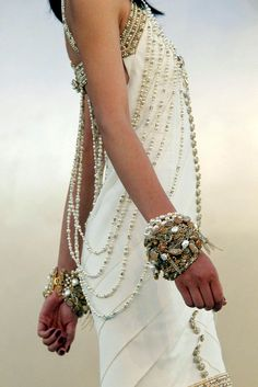 boho chic, chanel style. I don't like white, but one can make exceptions. now imagine this as a saree ...
