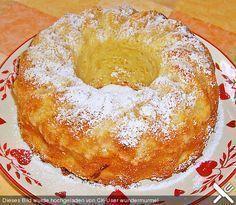 Zutaten 1 Pck. Puddingpulver, Vanille 150 g Butter 150 g Zucker 2 Ei(er) 1 Prise(n) Salz 250 g Mehl 3 TL, gestr. Backpulver 5 EL Milch 500 g Äpfel, klein geschnitten Paniermehl Puderzucker zum Bestäuben