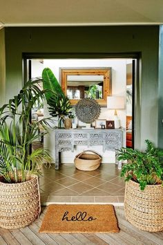 Inviting home entrance ideas A mix of exotic or tribal homewares add to the Balinese-style entryway. Entrance Decor, Decor, Tropical Home Decor, Home, House Entrance, Tropical Interior, Bali Style Home, Inviting Home, Home Decor