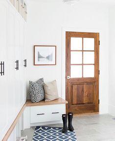 50 Stunning Farmhouse Entryway Design Ideas You Must Try In 2019 44 – Home Design Design Room, House Design, Lobby Design, Chair Design, Design Design, Design Trends, Entry Way Design, Decoration Inspiration, Entryway Decor