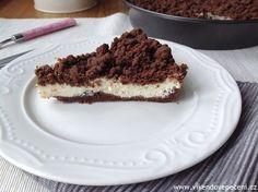 VÍKENDOVÉ PEČENÍ: Křehký kakaový koláč s tvarohem Eat Smarter, Tiramisu, Cheesecake, Cupcakes, Ethnic Recipes, Party, Food, Oven, Dessert Ideas