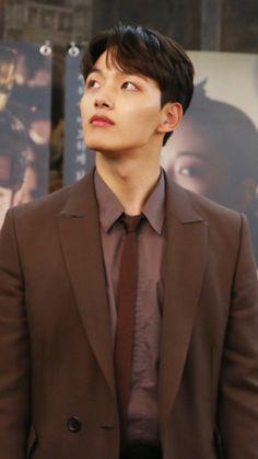 Lee Dong Wook, Ji Chang Wook, Lee Joon, Park Hae Jin, Park Seo Joon, Song Joong, Park Bo Gum, Jin Goo, Handsome Korean Actors