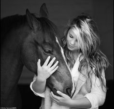 A girl and her horse 11 Девушка и лошадь