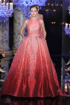 Elie Saab Fall 2014 Haute Couture, Paris :: This Is Glamorous Haute Couture Paris, Elie Saab Couture, Couture Week, Style Couture, Couture Mode, Couture Fashion, Fashion Show, Fashion Week Paris, Beautiful Gowns