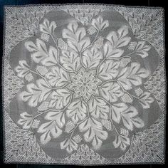 Tannenzapfen - Square Tablecloth In Knitted Lace By Herbert Niebling - PDF - US Letter Size