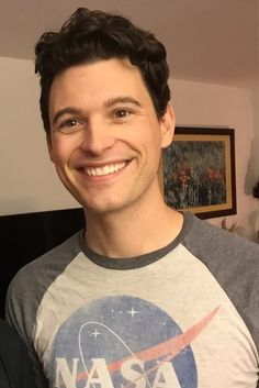 So I transformed this picture of Bryan into a cheerful Connor lmao Can we talk about how adorable he is. Bryan Dechart, Luther, Pretty People, Beautiful People, Quantic Dream, Detroit Become Human Connor, Becoming Human, Divas, Cute Actors