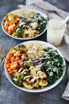 Roasted Vegetable Quinoa Bowls are the perfect healthy meal prep meal! Great for lunch or dinner! #vegan #glutenfree #mealprep