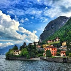 Lake Como is most definitely beautiful! Wish we had more time here! #lakecomo #earmarkadventures