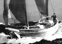 """Joshua Slocum on SPRAY ~1909~  El capitán Joshua Slocum, el primer navegante solitario alrededor del mundo. Su barco se llamaba """"Spray"""","""