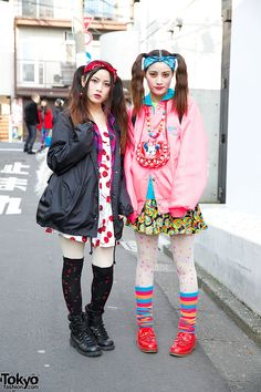 Goto sisters Mizuho (right, 21 years old) & Yurika (left, 23 years old) | 11 April 2014 | #couples #Fashion #Harajuku (原宿) #Shibuya (渋谷) #Tokyo (東京) #Japan (日本)