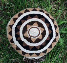 Authentic Mochila Wayuu from La Guajira, traditional size, una hebra tecnique